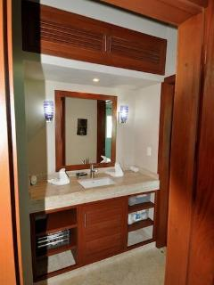 THERE'S AN ADDITIONAL HALLWAY VANITY/SINK