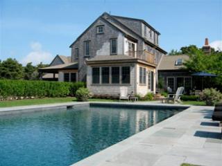 5 Bedroom 5 Bathroom Vacation Rental in Nantucket that sleeps 10 -(9930)