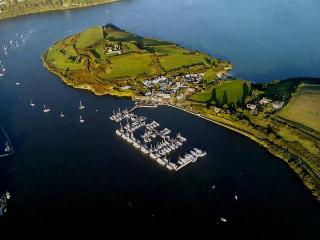 Kinsale Self Catering 2 bed next to Beach & Marina