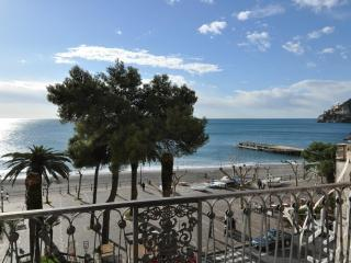 La Risacca - Sea front comfortable apartment, Minori