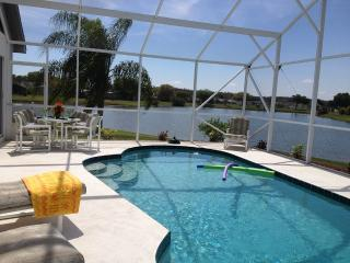 This Lake view Pool home has it All!, Kissimmee