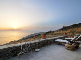 Greek island luxury vacation on private beach VA and Iota