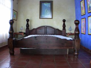 King size waterbed with fan