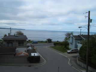 2bedroom 2 bathroom oceanviewfully equipped suite, White Rock