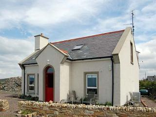 SEASIDE COTTAGE, pet friendly, with a garden in Narin, County Donegal, Ref 4553