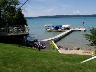 Torch Lake Turquoise Waters (2 Cottages available), Bellaire