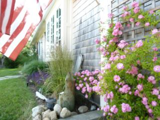 The Cottage at Arrowhead, near Bay & Ocean beaches, Truro