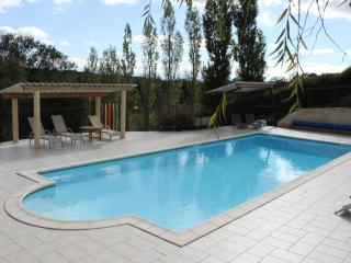 LoustalBeau - heated pool/ stunning setting (Aude)