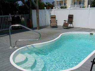Blue Dolphin 6 BR w/ Private Pool, Elevator, 3 fls, Surfside Beach
