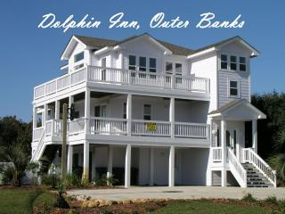 Dolphin Inn-7BR, Pool, Pirate Ship, Golf, Gym, Tennis.  Pet Friendly :), Southern Shores