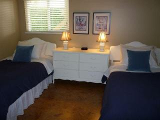 2 comfy twin beds in 2nd bedroom