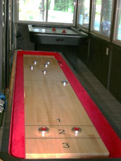 Game room Air Hockey & 9ft Shuffleboard