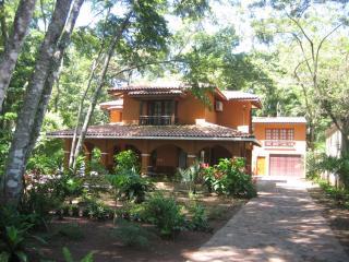 Casa de La Vida Grande: A Tropical Paradise