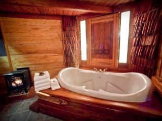 Zen Beach House -- Sauna and Soaking Tub!, Yachats