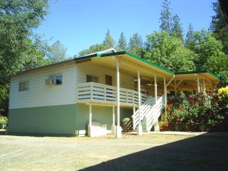 Yosemite JuniperCrest Vacation Apartment, Midpines