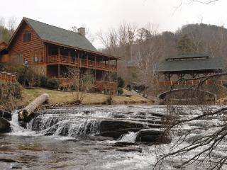 GRANNY'S CREEKSIDE CABIN, Sevierville