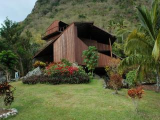 Maison des 'Etoiles in the World Heritage Site, Soufriere