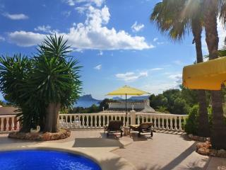 Wonderful villa in Moraira with stunning sea views