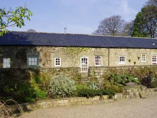 CUCKOO STONE COTTAGE, pet friendly, character holiday cottage, with a garden in