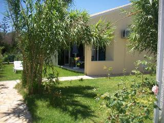 FLOWER VILLA 6, 2 BEDROOMS - 250M FROM THE BEACH, Argyrades