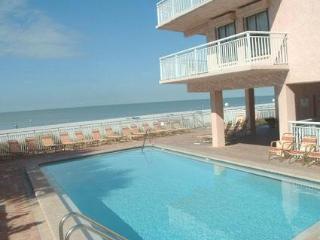Spectacular Gulfview: 1-bedroom/1-bath Condo