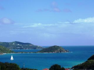 HAPPY OUR - great location & exceptional views at the right price!, Coral Bay