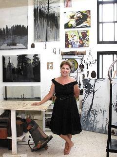 Batia Eisenwasser-Jancourt in her studio