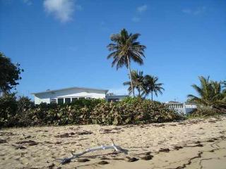 Casa del Marullo from the beach