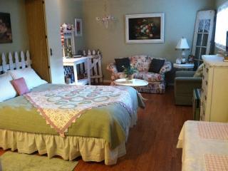 Cottage Tea Room Sweet Oceanside Furnished Studio