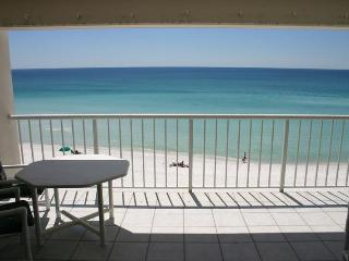 Destin Gulfgate 401-XLG 2BR Beach Front - Trip Advisor #1 rated