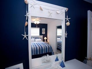 King bedroom seaside theme.
