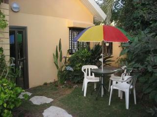Garden suite near beach  Herzlia Pituach