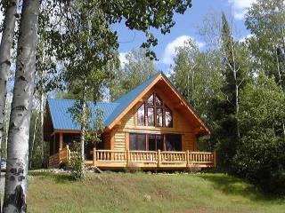 SUNSET BAY- Lakefront  Log Vacation Home, Dog Lake, Thunder Bay