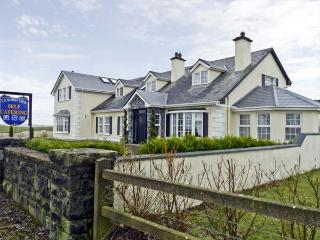 DORMER VIEW, family friendly, country holiday cottage, with a garden in Barnaderg, County Galway, Ref 4581, Moylough