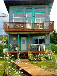 The Sea Gypsy Cottage: 2 bed, 2 bath, near beach