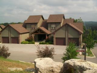 Birdie Bungalow at Stonebridge Resort Sleeps 2-6, Branson West