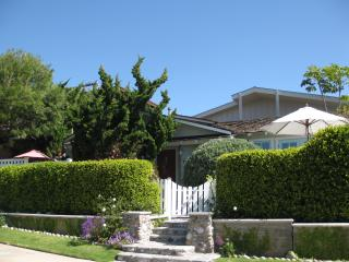 Your Studio is located on the grounds of our Beach House.  A great neighborhood bordering La Jolla.