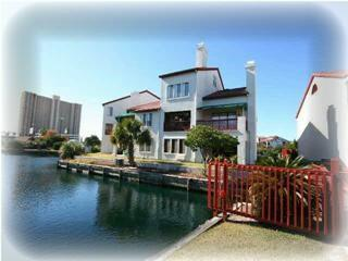 Great 3 Bedroom Villa with Boat Dock and Beach Access!