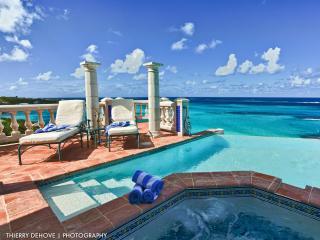 Location, Location, Location! Stunning Villa Azure
