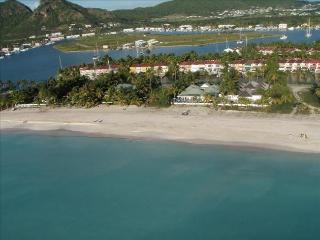 Island View Beach House - Beachfront 5 Bedrooms in Jolly Harbour