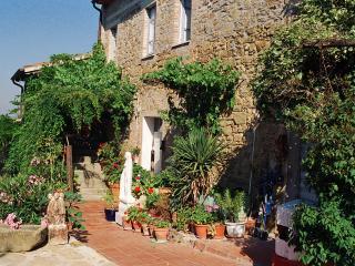 2 bedroom apartment in Villa at Lake Trasimeno, Castel Rigone