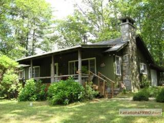 3 BR Cabin with Spectacular Whiteside Mt. View
