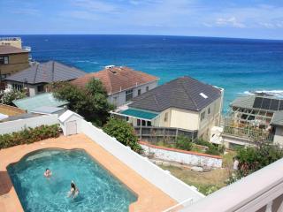 Ocean View Apartments on Tamarama & Bondi Beach, Sídney