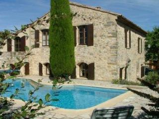 La Fenice - Charming restored property in Luberon, Montjustin