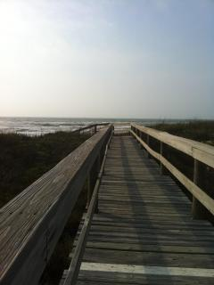 Boardwalk to the Beach!!