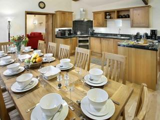 Spacious dining kitchen with everything you need!