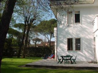 Villa Capannina vacation holiday villa rental italy, tuscany, forte dei marni, i