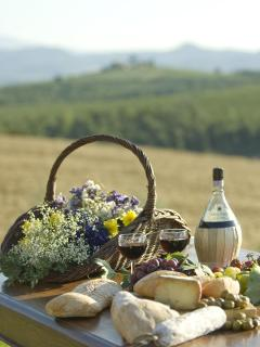 Eat 'Al Fresco' under the Tuscan Sun