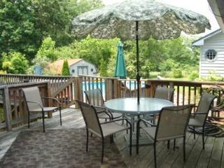 Secluded/Pool/HotTub/King/MassageChr/Kid Friendly!
