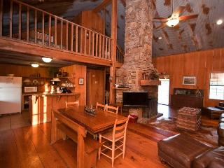 Bear Creek Log Cabins, Saint Joe